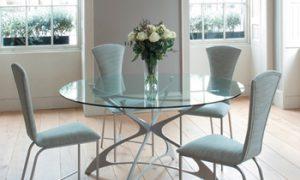 Стеклянные столы — модно, стильно, креативно