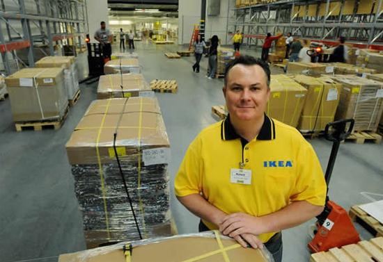 Магазин IKEA (ИКЕА) в Санкт-Петербурге.