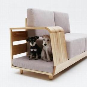 Для хозяина - диван, для питомцев - домик