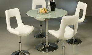 Cтеклянный обеденный стол для кухни