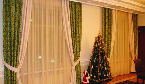 Потолочные карнизы для штор - как и какие выбрать?