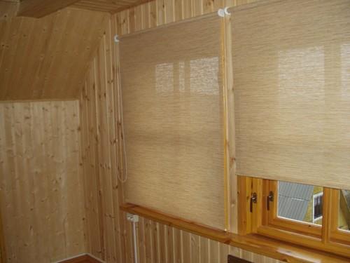 фото рулонные шторы на пластиковые окна