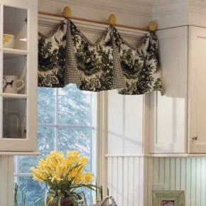 Как повесить кухонные шторы своими руками