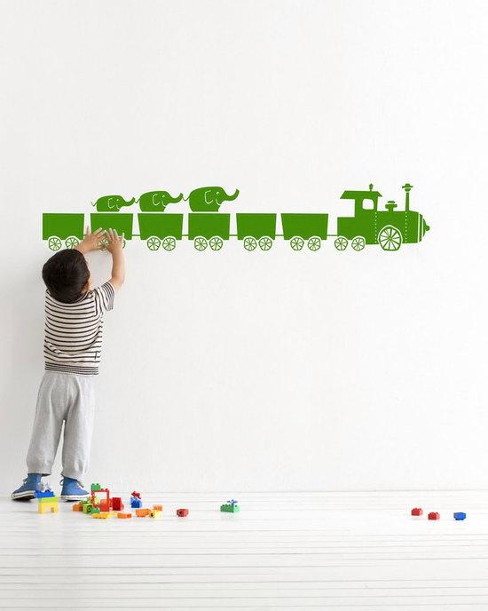 nakleiki-dlya-sten-detskoy-07