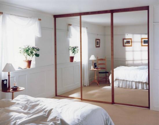 zerkalnye-paneli-v-interiere-01