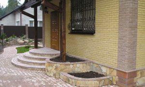 Идеи оформления крыльца загородного дома