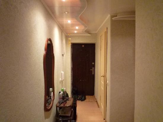 oboi-dlya-koridora-01