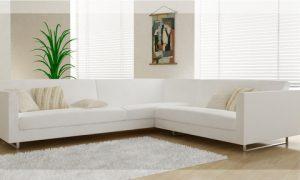 Интерьер с диваном белого цвета