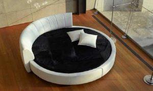 Круглый диван-кровать в интерьере