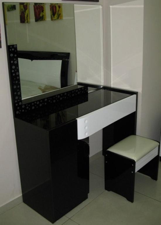 tualetnyj-stolik-03