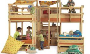 Выбираем оригинальную кровать для троих детей