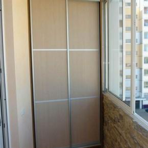 Шкафы на балкон в интерьере