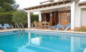 Красивый дом с бассейном: доступен каждому!