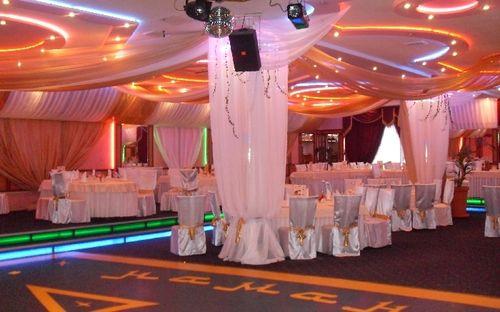 drapirovka-svadebnogo-zala_10
