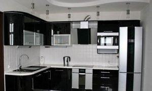 Угловая черно-белая кухня: фото варианты