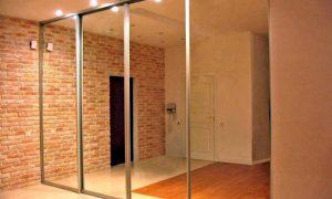 Зеркальные стены в интерьере квартиры