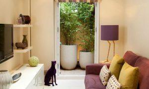 Как обустроить дизайн длинной узкой комнаты