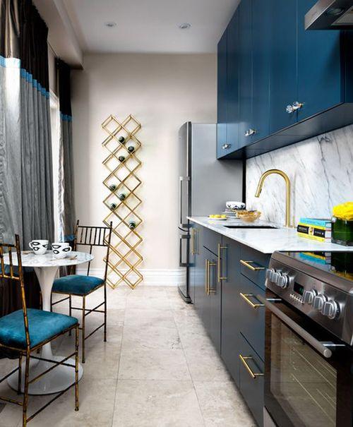 Кухня длинная дизайн интерьер фото