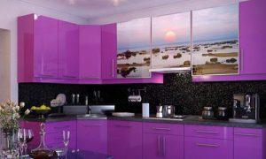Фиолетовая кухня — это красиво и современно!