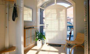 Как оформить дизайн прихожей частного дома