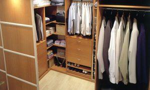 Варианты дизайна гардеробной комнаты разных размеров
