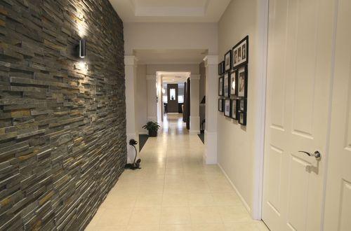 koridor-dekorativnym-kamnem_7