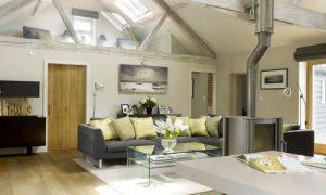 Особенности дизайнерского оформления высоких потолков в квартире