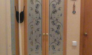 Какую поставить дверь в кладовке или обновить старую