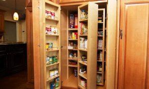Как грамотно обустроить удобную систему хранения в кладовке