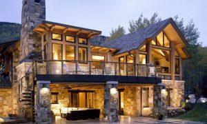 Популярные проекты комбинированных домов из камня и дерева