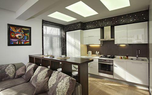 Темно-светлый дизайн кухни