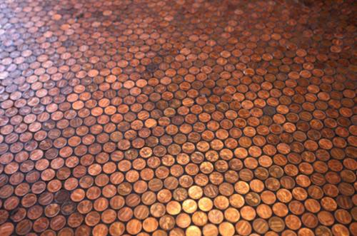 Пол из монет