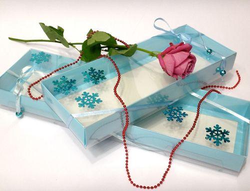 Подарочная коробка с прозрачным верхом