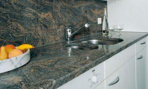 Обзор материалов для кухонной столешницы