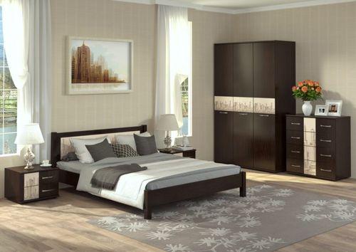 Дизайн спальни цвета венге с тумбами и комодом