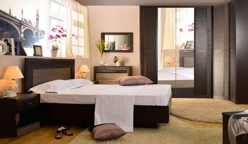 Спальная комната в цвете венге с светлым оттенком