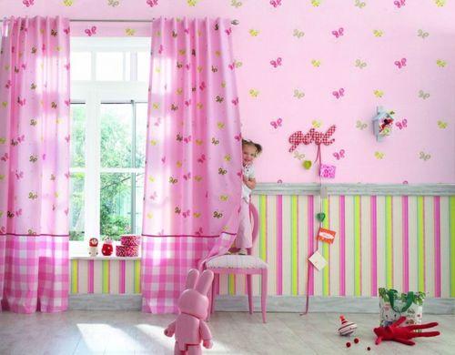 Бумажные розовые обои с цветами