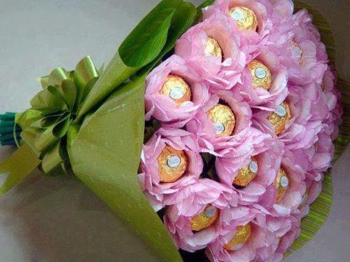 Конфетки в розах