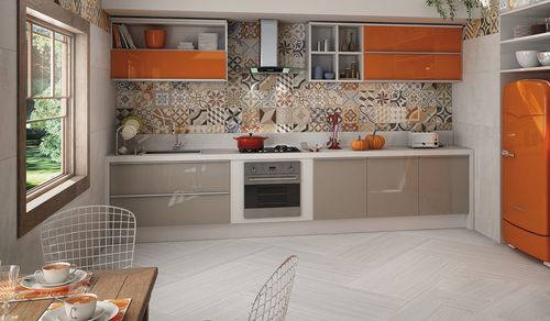 Мозаичное декорирование стен кухни