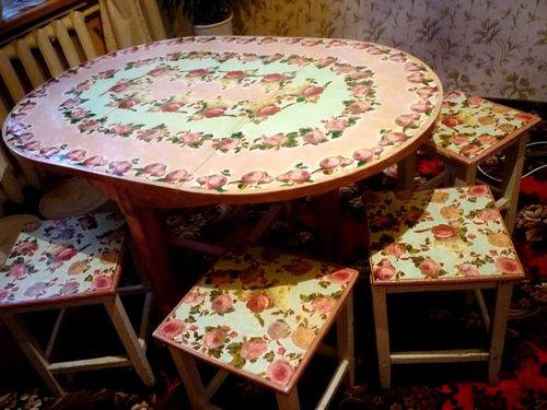 Декупаж стола на кухне