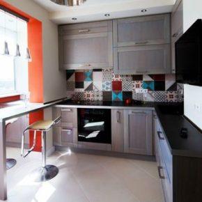 Популярные варианты перепланировки кухни